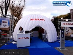 Iglu-hinchable-totem-hinchable-evento-nissan